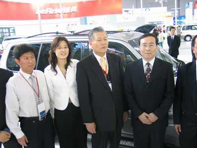 现代汽车副社长亲临华泰现代展台参观