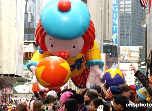 组图:纽约人感恩节街头大游行