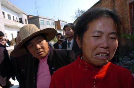 图文:九江县一小学三年级女孩罹难