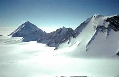 七大洲最高峰:南极洲的文森峰