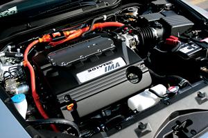 汽油发动机与电动机共同组成了本田雅阁HYBRID的动力单元