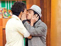 另类:男明星陷入同性湿吻的漩涡