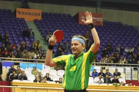 图文:乒联总决赛 塞弗欢呼庆祝晋级男单八强