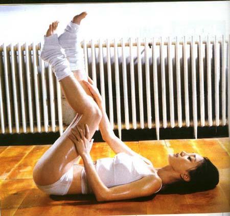 首次性感裸露 周迅《Maxim》喷血写真照(图)