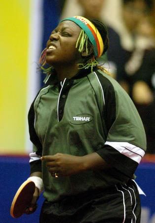 图文:女乒世界杯开战 喀麦隆选手福莫姆