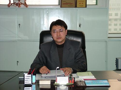 白惠峰:首例研发成功烟排放连续监测仪
