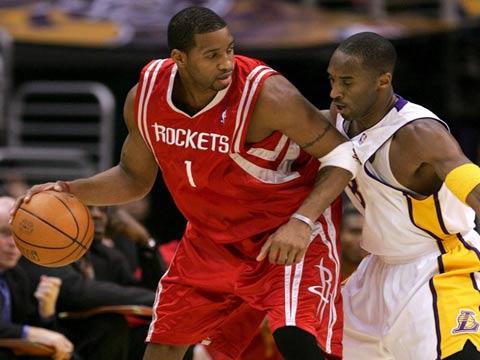 图文:NBA常规赛火箭VS湖 麦蒂科比大碰撞