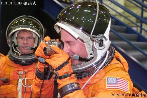 探索太空世界 NASA宇航员用什么相机?