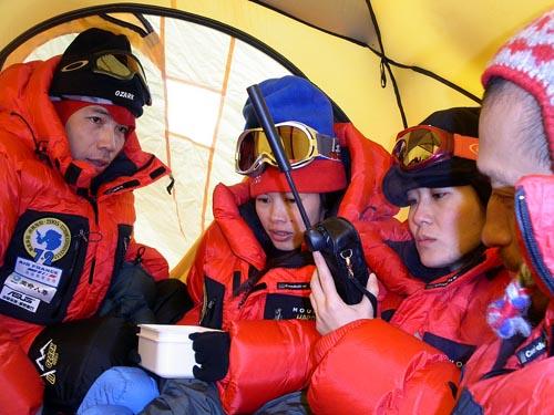 探险队南极营地的帐内纪实