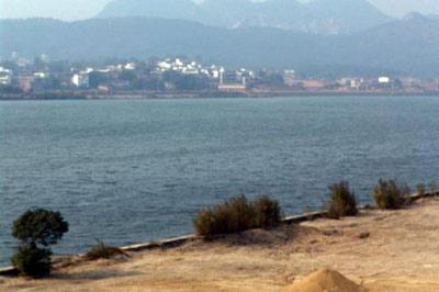 组图:广东企业污染北江江水致部分城市停止供水