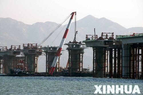深圳湾跨海大桥工程进展顺利