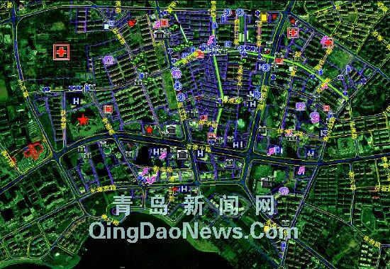 随着卫星地图不断放大,香港中路派出所辖区里的每栋居民楼都被立体