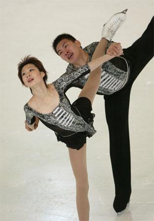 高大健壮+娇小玲珑 张丹/张昊编织冰上童话