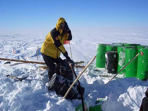 队员在南极点上的各个瞬间写实