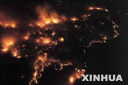 野火_美南部两州野火蔓延至少4人丧生 居民紧急撤离