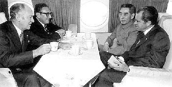 尼克松1972年访华 《上海公报》谈判内幕(图)