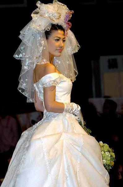 香港第41届冬日婚纱及婚礼用品展新款时尚婚纱