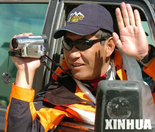 CCTV体坛风云人物(2005年度)-仁那