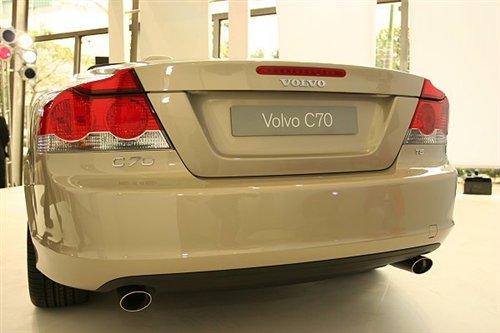 全新的沃尔沃C70与气质名模张虹抢先看
