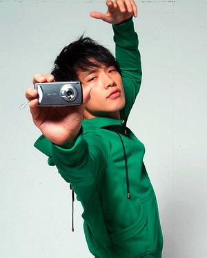 买泛泰手机 与韩流巨星Rain浪漫相约