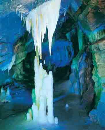 最美的六大洞穴探密之旅[组图]