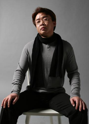 歌手王启文唱红中国 启动美国巡回音乐会