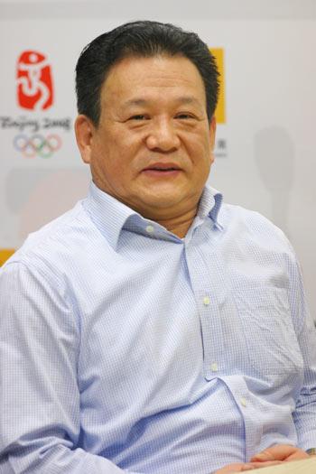 图文:举摔柔中心主任马文广做客搜狐谈奥运前景