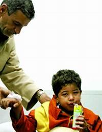 埃及六龄童在客轮沉没后漂流36小时获救(图)