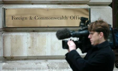 图文:伊朗核问题会谈在伦敦举行 记者拍摄