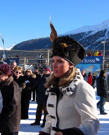 冰上马球赛:异国美女