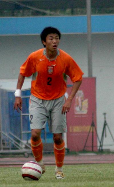 图文:深圳热身2-0北京宏登 喀麦隆外援丹尼尔