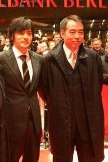 《无极》欧洲首映 陈凯歌去动物园看老虎(图)