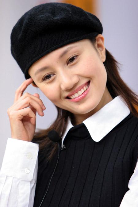 《上海伦巴》中 夏雨与袁泉扮演甜蜜情侣(图)