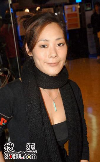 首位华人女歌手出UMD 被问酬劳关淑怡失控