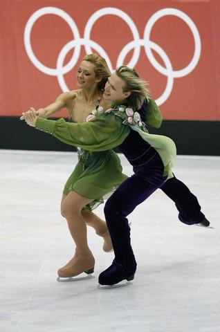图文:冬奥会花样滑冰 保加利亚选手精彩瞬间