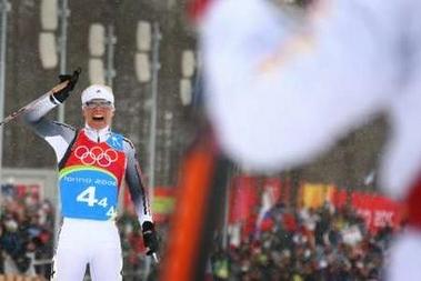 图文:越野滑雪女子接力 德国队的克劳蒂亚
