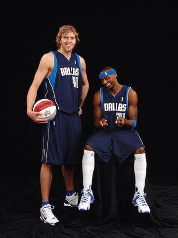 NBA图:全明星三分球大赛  诺维茨基和特里