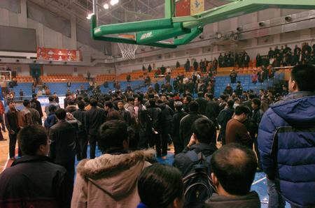 苗立杰被罚黑龙江球迷打裁判 WCBA半决赛遭中断