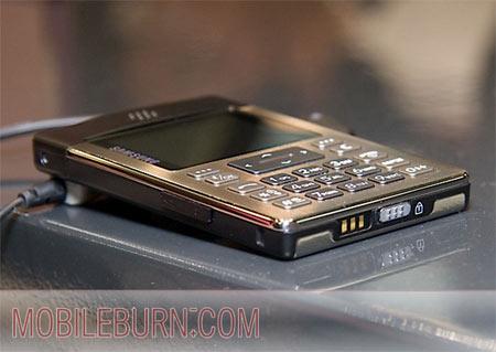 开创计算器手机时代?8.9mm三星P300赏