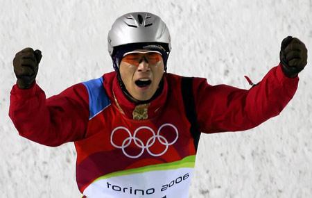图文:冬奥跳台滑雪赛 韩晓鹏比赛中信心十足