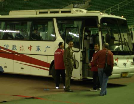 图文:亚洲杯预选赛中国2-0巴勒斯坦 巴队回家