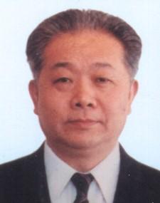 简历:全国人大常委会副委员长兼秘书长盛华仁
