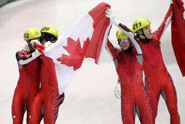 图文:短道速滑男子5000米接力 加拿大队获银牌