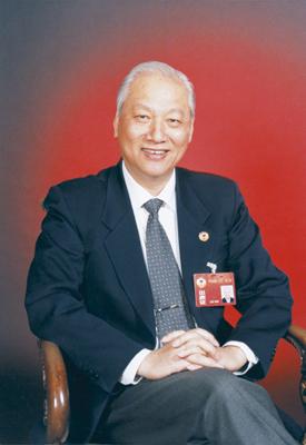 图:政协常委陈明德