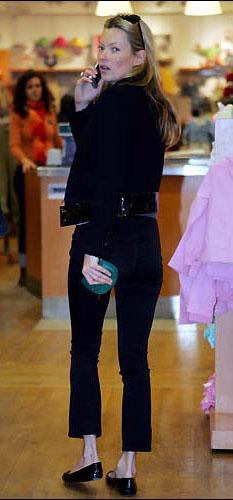 凯特-摩丝购物被偷拍 便装难掩明星气质(图)