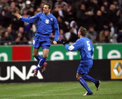 图文:热身赛 法国VS斯洛伐克 斯洛伐克庆进球