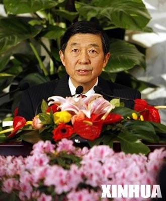 全国政协十届四次会议 举行新闻发布会(组图)
