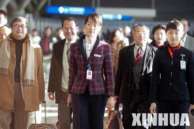 香港人大代表、政协委员抵京(组图)