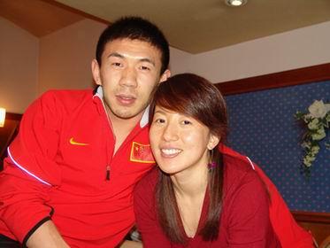 休息半年杨扬专心当女人 8月李佳军走上红地毯