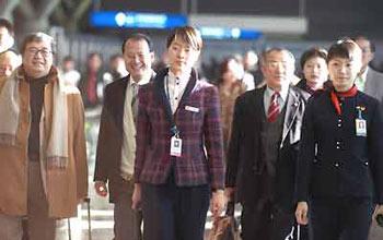 香港人大代表、政协委员抵京